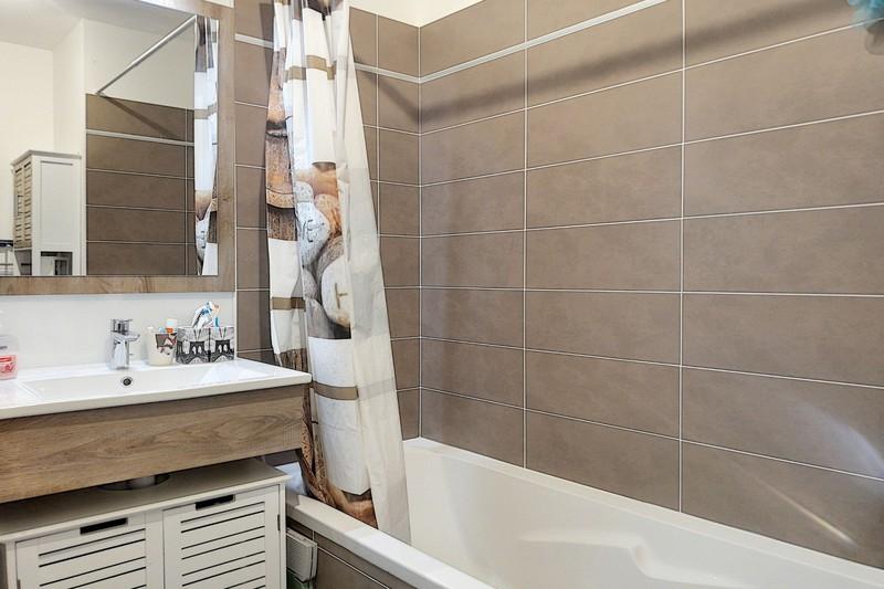 Photo n°9 - Vente appartement Le Plan-de-la-Tour 83120 - 210 000 €
