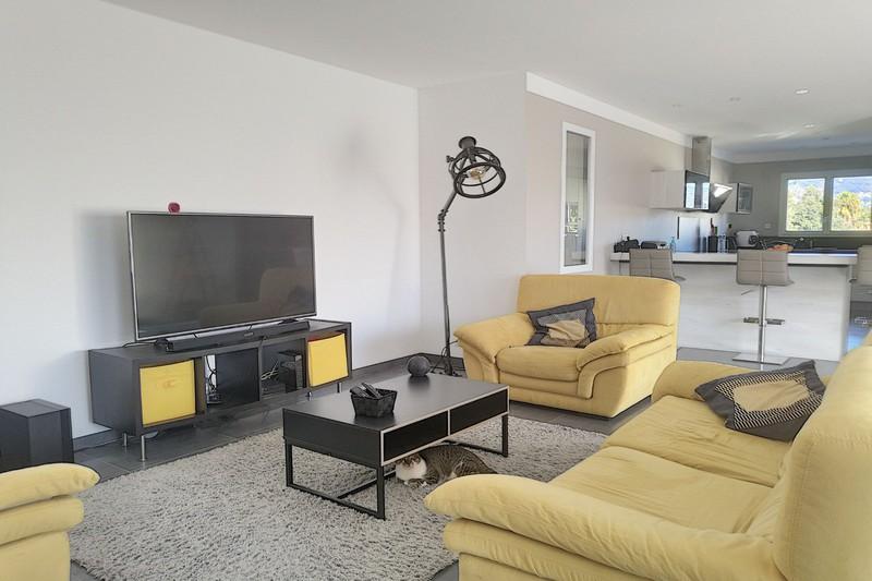 Photo n°4 - Vente maison contemporaine Le Plan-de-la-Tour 83120 - 737 500 €
