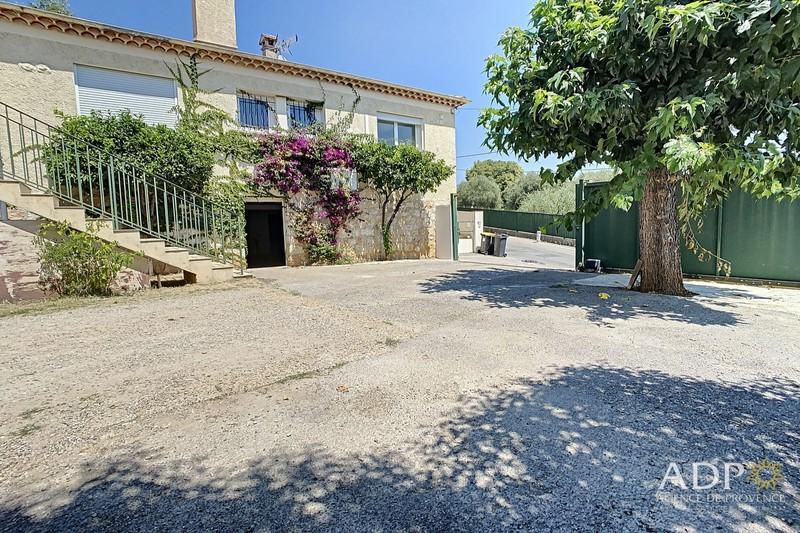 Maison Grasse  Location maison  3 chambres   101m²