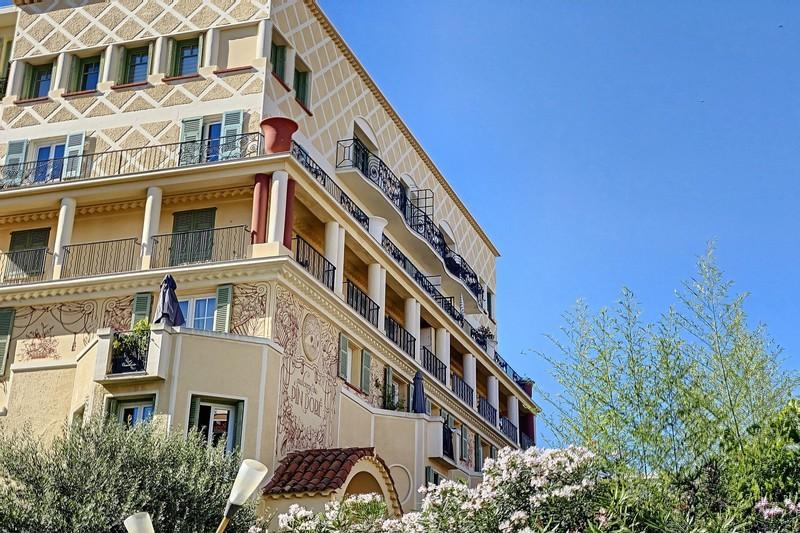 Appartement Juan-les-Pins   achat appartement  5 pièces   146m²