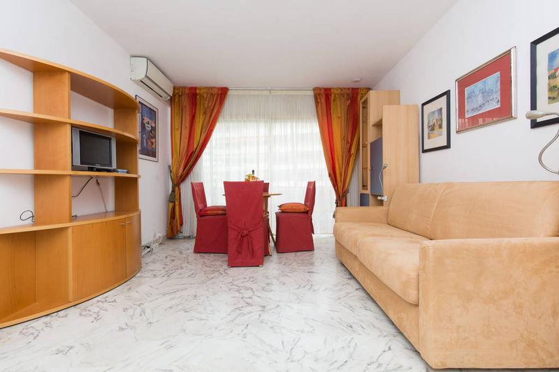 Apartment Cannes Centre-ville (banane),  Location saisonnière apartment  1 room   25m²