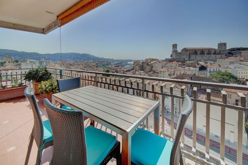 Apartment Cannes Suquet,  Location saisonnière apartment  3 rooms   75 m²