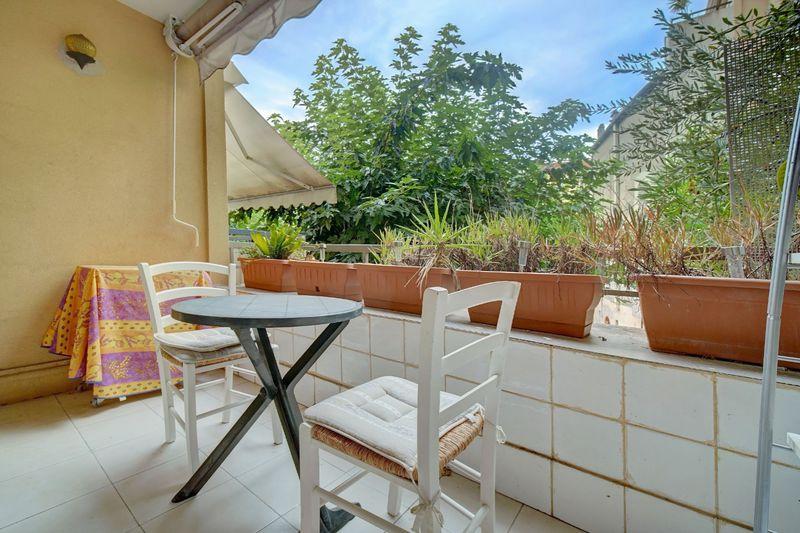 Appartement Cannes Centre-ville (banane),  Location saisonnière appartement  1 pièce   25m²
