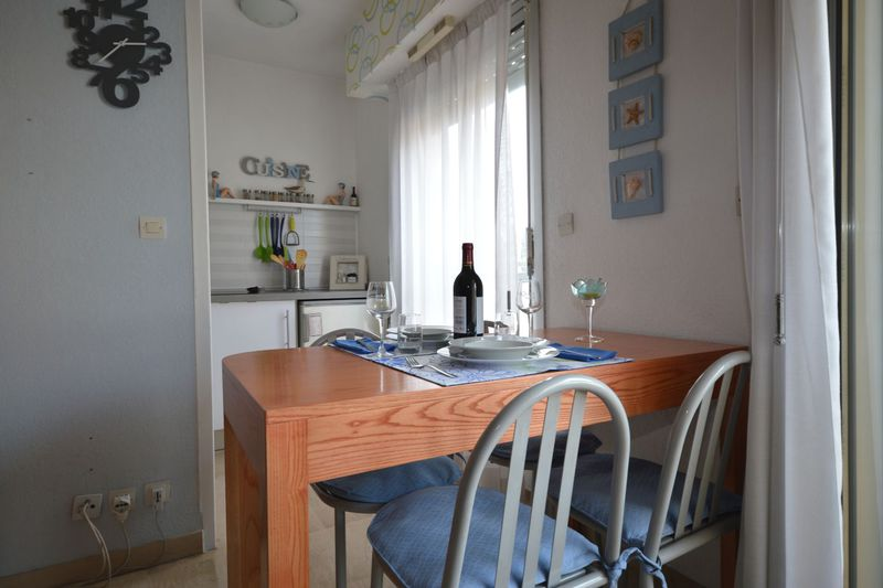 Appartement Cannes Suquet,  Location saisonnière appartement  1 pièce   25m²