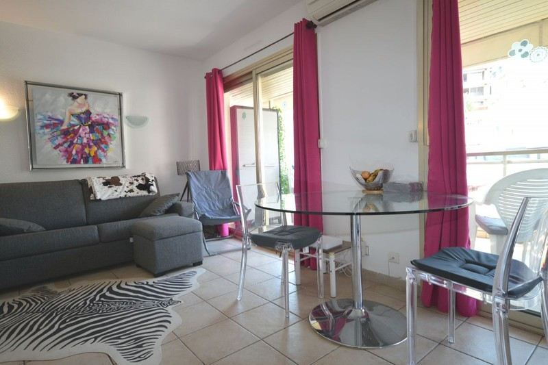 Apartment Cannes Centre-ville (carnot et environs),  Location saisonnière apartment  3 rooms   45m²