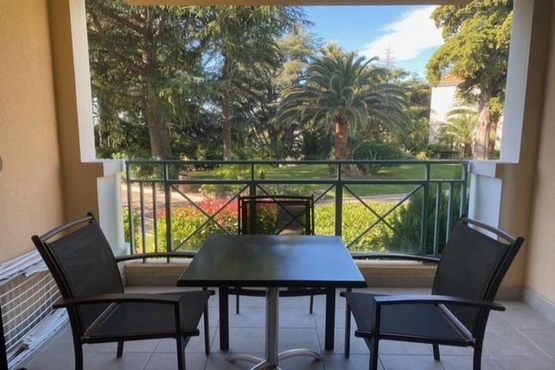 Apartment Cannes Croix des gardes,  Vacation rental apartment  2 rooms   35m²