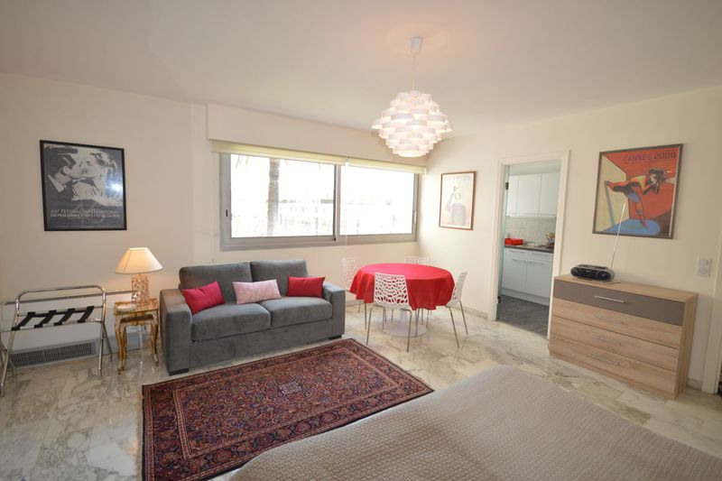 Apartment Cannes  Vacation rental apartment   32m²
