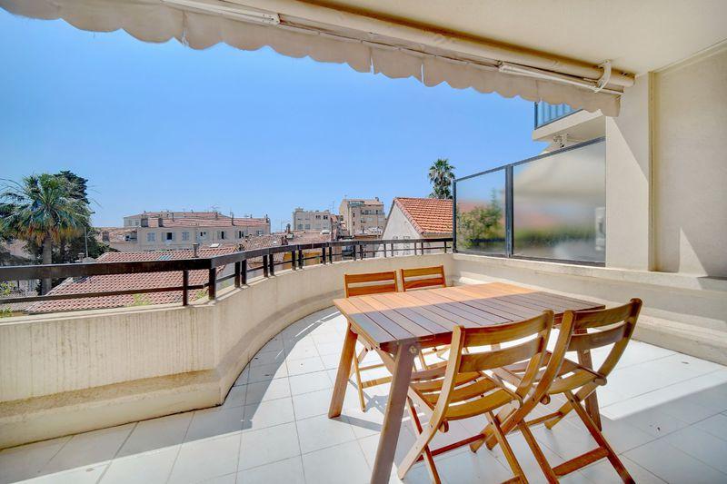 Appartement Cannes  Location saisonnière appartement  4 pièces   90m²