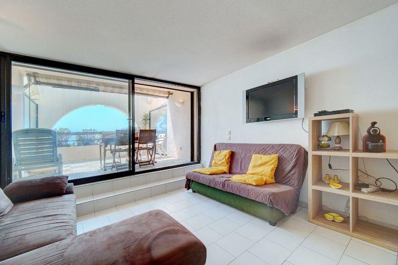 Apartment Cannes Bord de mer,  Location saisonnière apartment  1 room   30m²