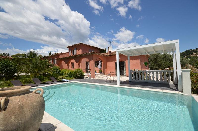 Villa provençale Mougins  Location saisonnière villa provençale  4 chambres   180m²