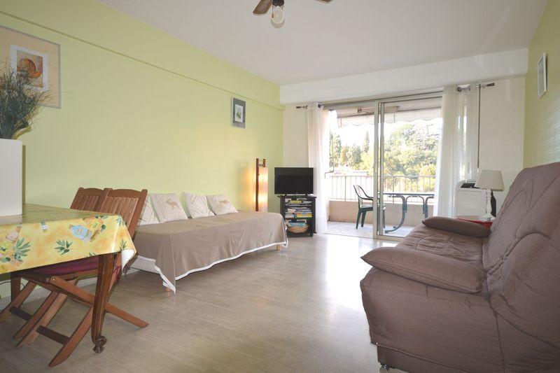Apartment Cannes Suquet,  Location saisonnière apartment  2 rooms   45m²