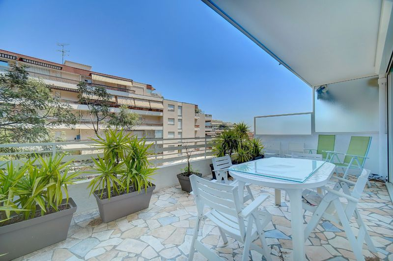 Apartment Cannes Stanislas,  Location saisonnière apartment  3 rooms   68m²