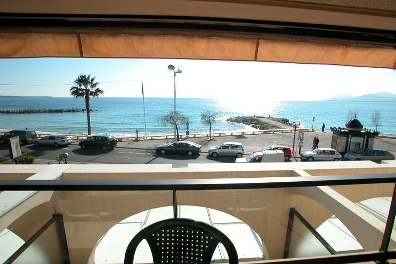 Apartment Cannes Plages du midi,  Location saisonnière apartment  1 room   32m²