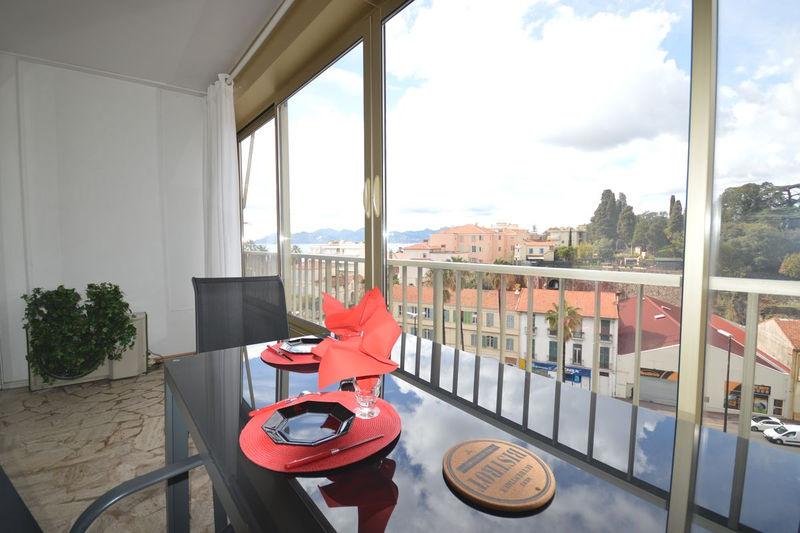 Appartement Cannes Suquet,  Location saisonnière appartement  1 pièce   35m²