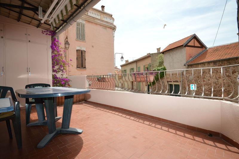 Appartement Cannes Suquet,  Location saisonnière appartement  2 pièces   35m²