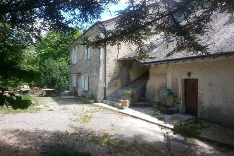 Photo Appartement Gorniès  Location saisonnière appartement  4 pièces   165m²