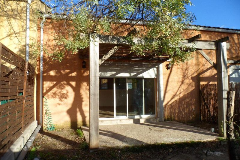 Photo Villa Moulès-et-Baucels  Location villa  2 chambres   60m²