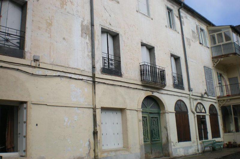 Photo Appartement Le Vigan  Location appartement  3 pièces   45m²