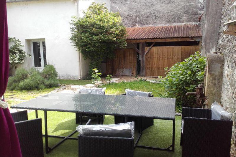 Photo Maison Saint-Bauzille-de-Putois  Location maison  3 chambres   108m²