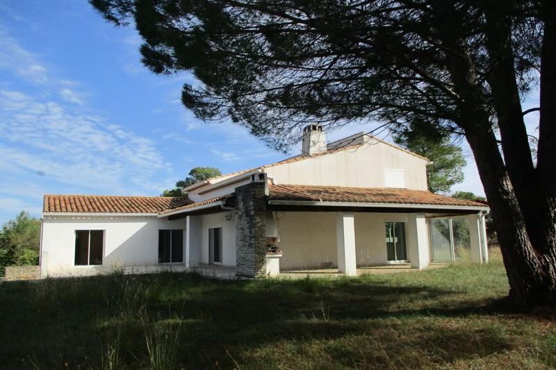 Photo Villa Saint-Drézéry   achat villa  7 chambres   240m²
