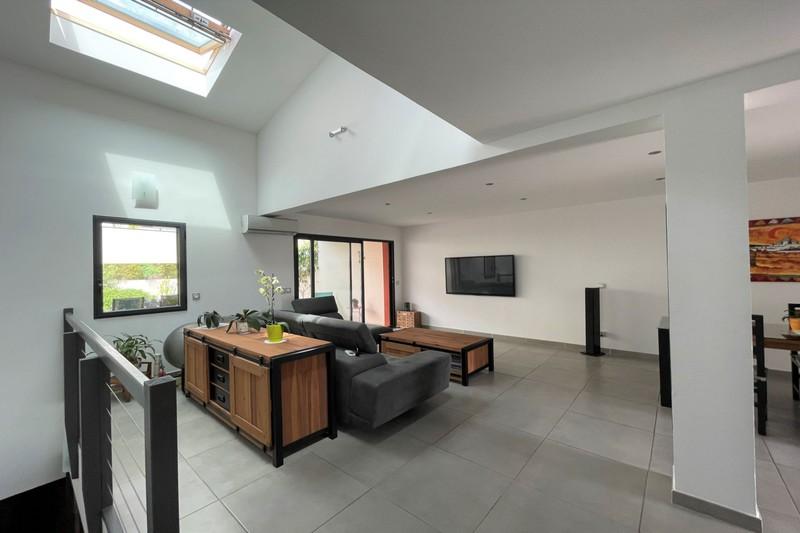Photo Contemporary house Castelnau-le-Lez   to buy contemporary house  3 bedroom   119m²