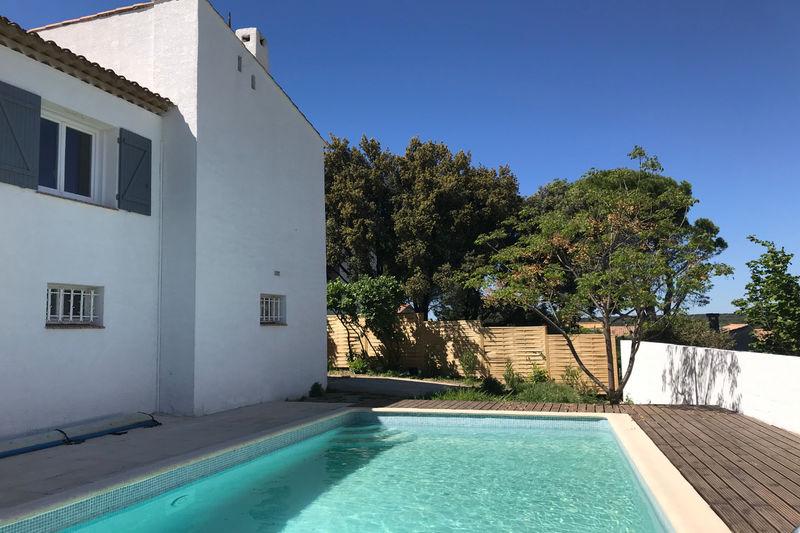 Photo Villa Castries   achat villa  5 chambres   188m²