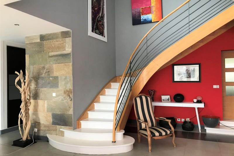 Photo Maison contemporaine Castelnau-le-Lez   achat maison contemporaine  5 chambres   200m²