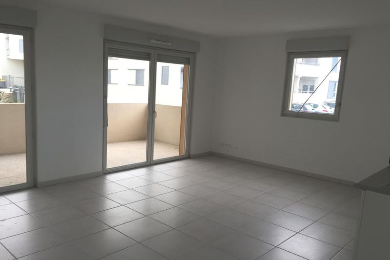 Photo Appartement Castelnau-le-Lez  Location appartement  3 pièces   65 m²