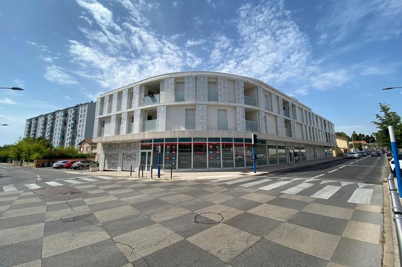 Photo Local professionnel Castelnau-le-Lez Centre-ville,  Professionnel local professionnel   71m²
