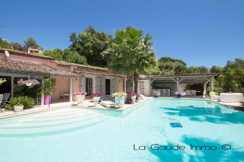 Villa Cagnes-sur-Mer   to buy villa  5 bedroom   225 m²