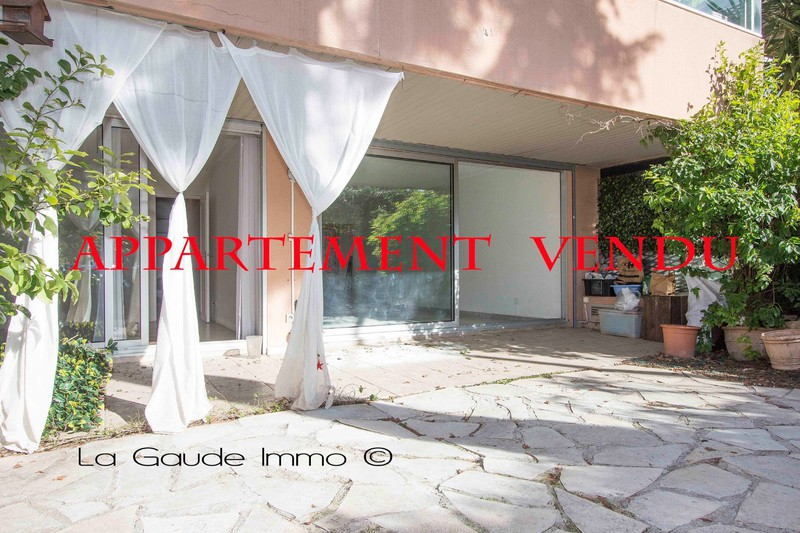 Apartment Nice   to buy apartment  2 rooms   73m²