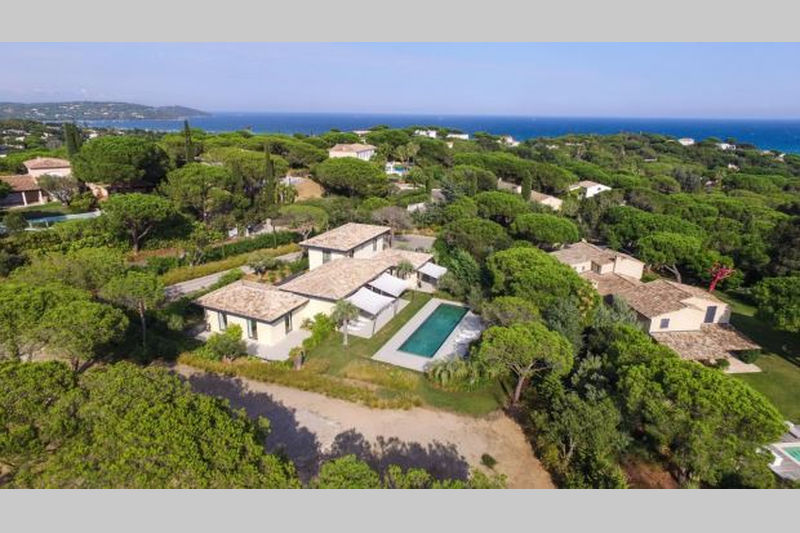 Photo Contemporary house Ramatuelle Proche plages,  Vacation rental contemporary house  6 bedrooms   350m²