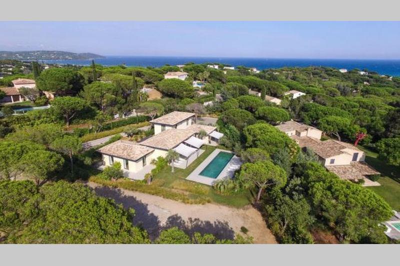Maison contemporaine Ramatuelle Proche plages,  Location saisonnière maison contemporaine  6 chambres   350m²
