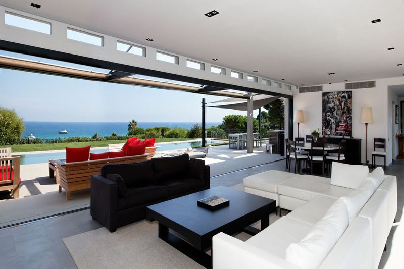 Contemporary house Saint-Tropez Plage de pampelonne,  Vacation rental contemporary house  7 bedrooms   380 m²