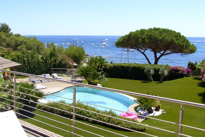 Villa Ramatuelle Bord de mer,  Location saisonnière villa  5 chambres