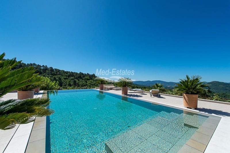 Photo n°2 - Vente maison récente La Garde-Freinet 83680 - 3 450 000 €