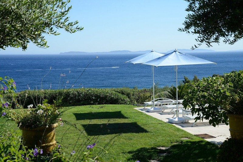 Photo Luxury property La Croix-Valmer Gigaro plage,   to buy luxury property  10 bedrooms   457 m²