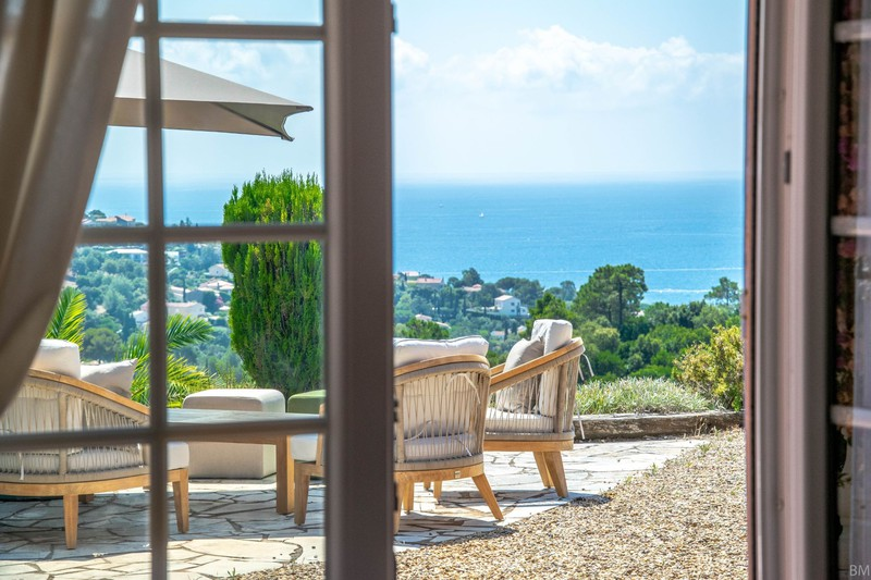 Villa provençale Les Issambres Proche plages ét golf!,   achat villa provençale  6 chambres   250m²