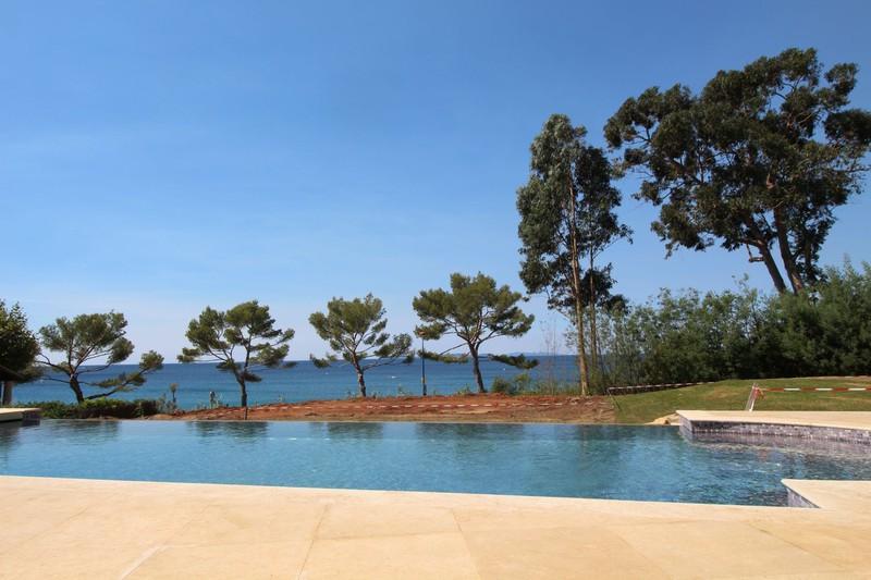Photo n°4 - Vente Maison villa La Croix-Valmer 83420 - Prix sur demande
