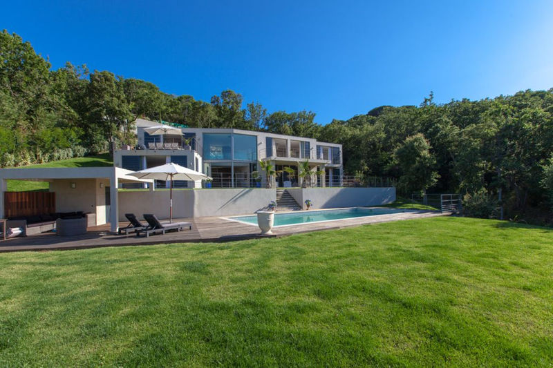 Photo Contemporary house Ramatuelle Proche plages,   to buy contemporary house  5 bedrooms   380 m²