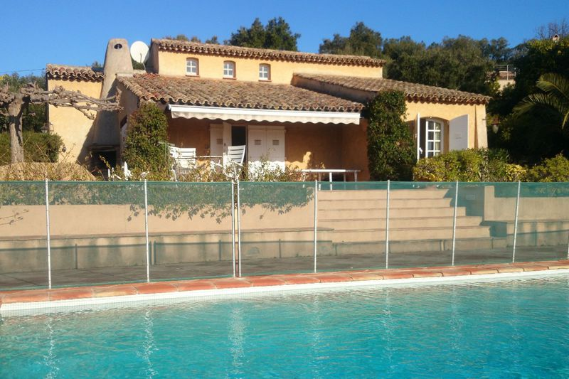 Photo Villa Grimaud Proche plages ét golf!,   to buy villa  4 slaapkamers   115 m²