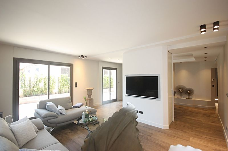 Photo Apartment Antibes Proche centre,   to buy apartment  3 room   72m²