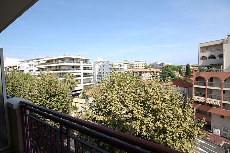 Photo n°1 - Vente appartement Juan-les-Pins 06160 - 190 000 €