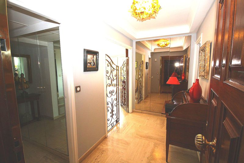 Photo n°2 - Vente appartement Nice 06300 - 1 030 000 €