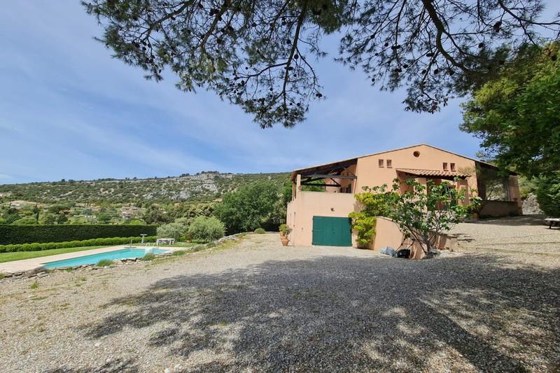 Photo Maison Saint-Saturnin-lès-Apt Village,   achat maison  5 chambres   128m²