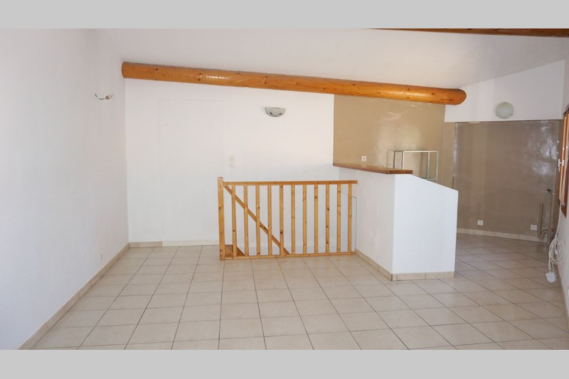 Photo Appartement Saint-Saturnin-lès-Apt Village,   achat appartement  2 pièces   49m²