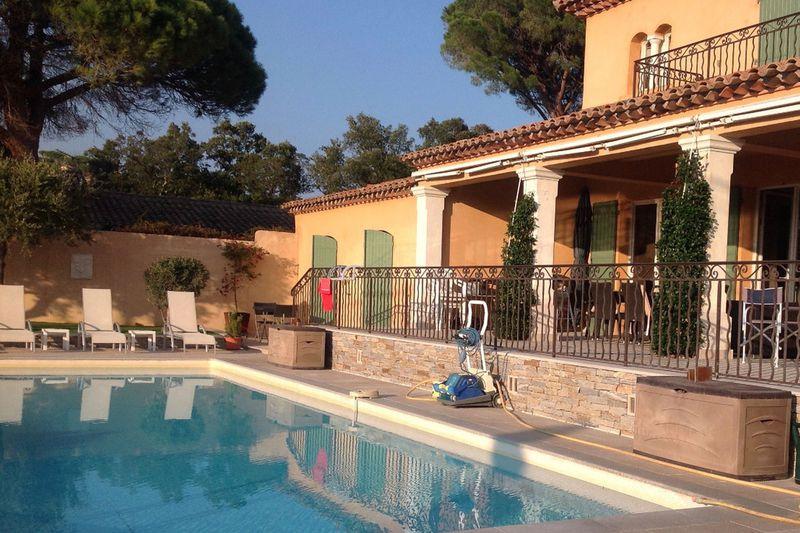 Villa Sainte-Maxime   achat villa  5 chambres   177m²