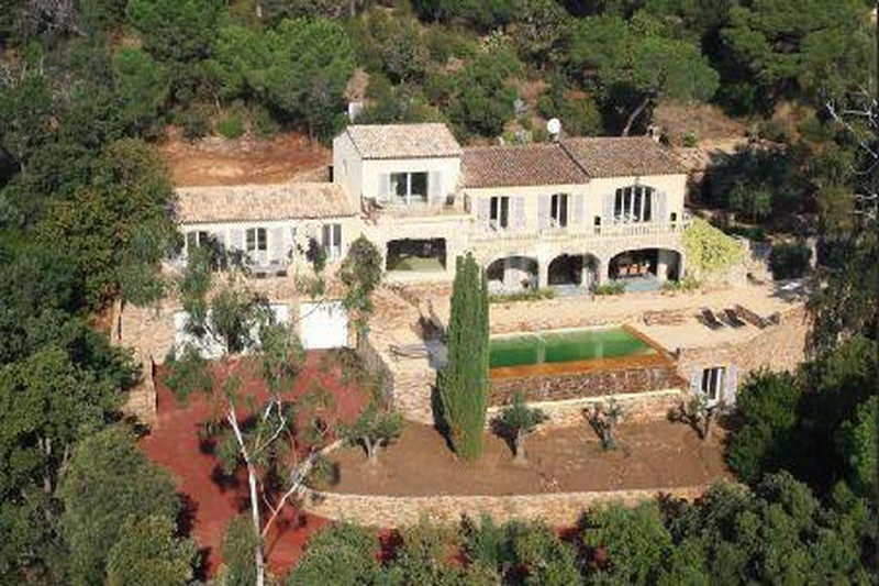 Villa Grimaud Proche village,   achat villa  6 chambres   476m²