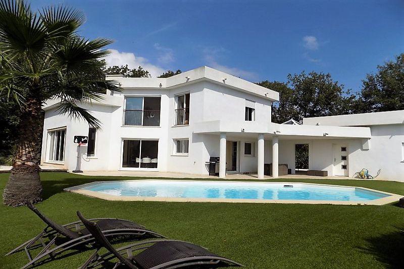 Villa Le Muy   achat villa  4 chambres   150m²