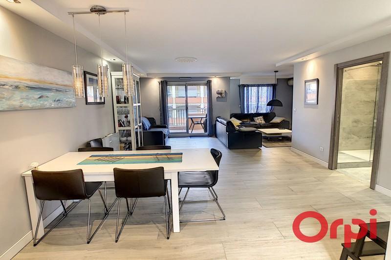 Photo Appartement Sainte-Maxime Centre-ville,  Location saisonnière appartement  5 pièces   90m²